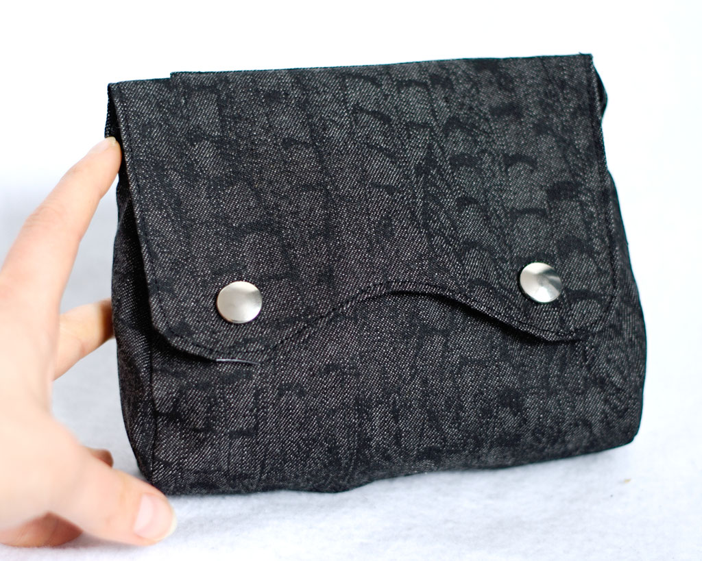 2021 belt bags and new shoulder bags out now! - Dark Reptile & Zebra belt pouch - Zebraspider Eco Anti-Fashion