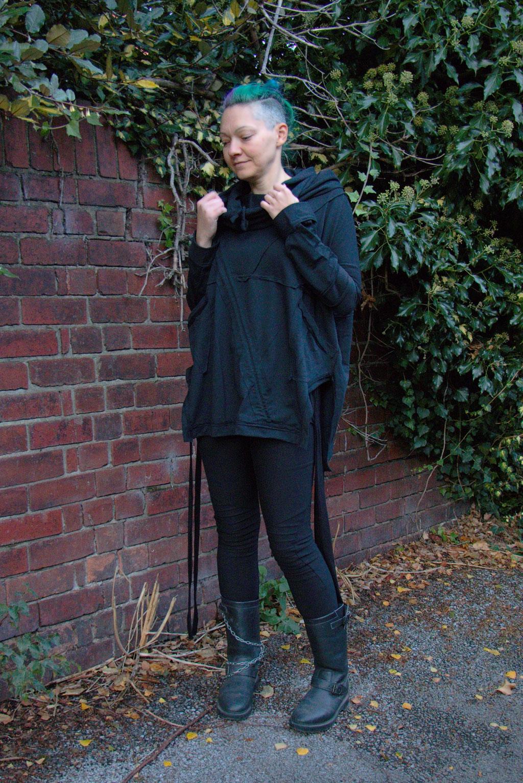 Dark post-apocalyptic outfits I wear to work - Ynhoia zero-waste hoodie and Dorawyn biker leggings - Zebraspider Eco Anti-Fashion