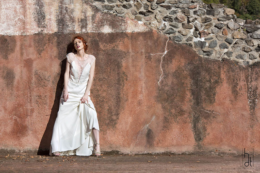 robe-de-mariee-longue-confortable-sur-mesure-dentelle-chic-emmanuelle-gervy