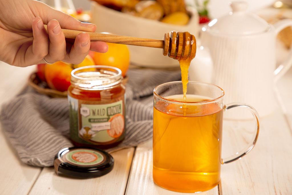 BEEsharing Waldhonig schmeckt auch im Tee