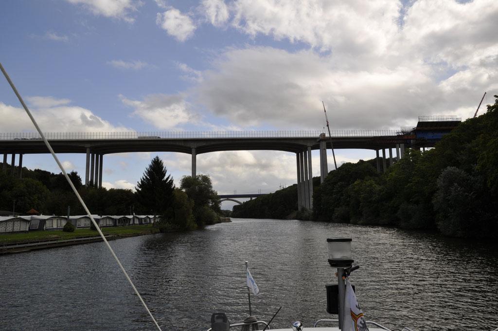High Tech der Ingenieurkunst Autobahnbrücke Limburg