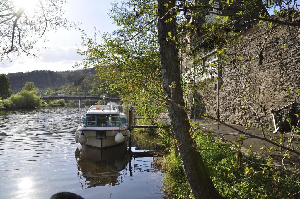 Charteryacht Bugansicht