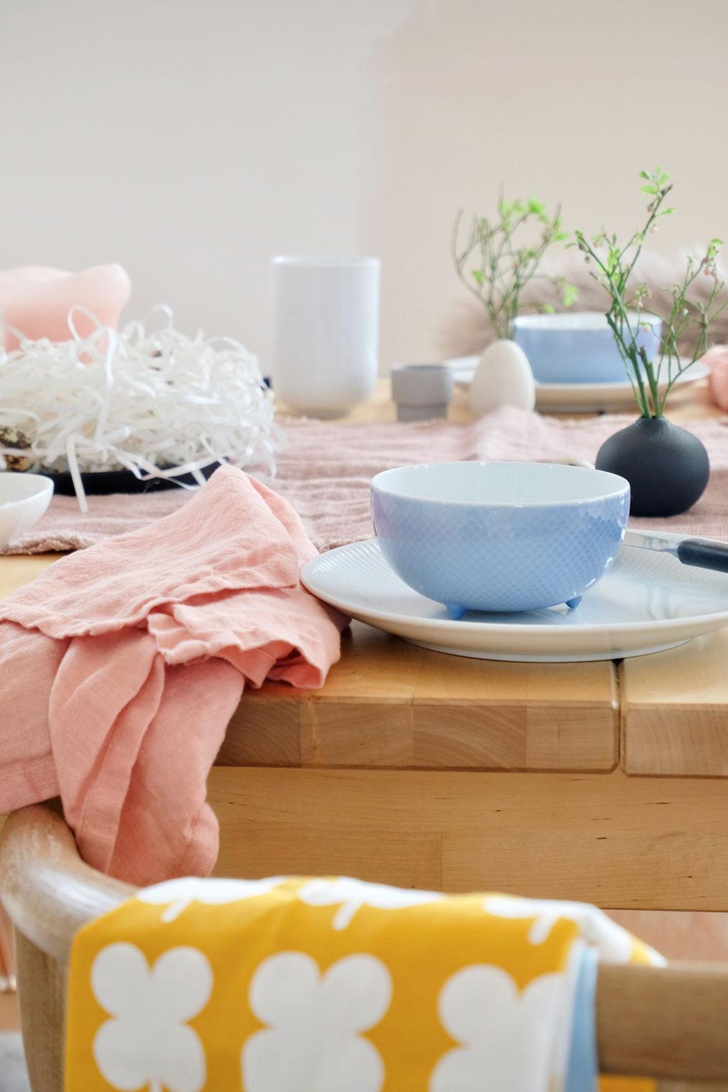 dieartigeBLOG - Ostern -Tischdekoration; hellblaues Vintage-Schälchen von Rosenthal