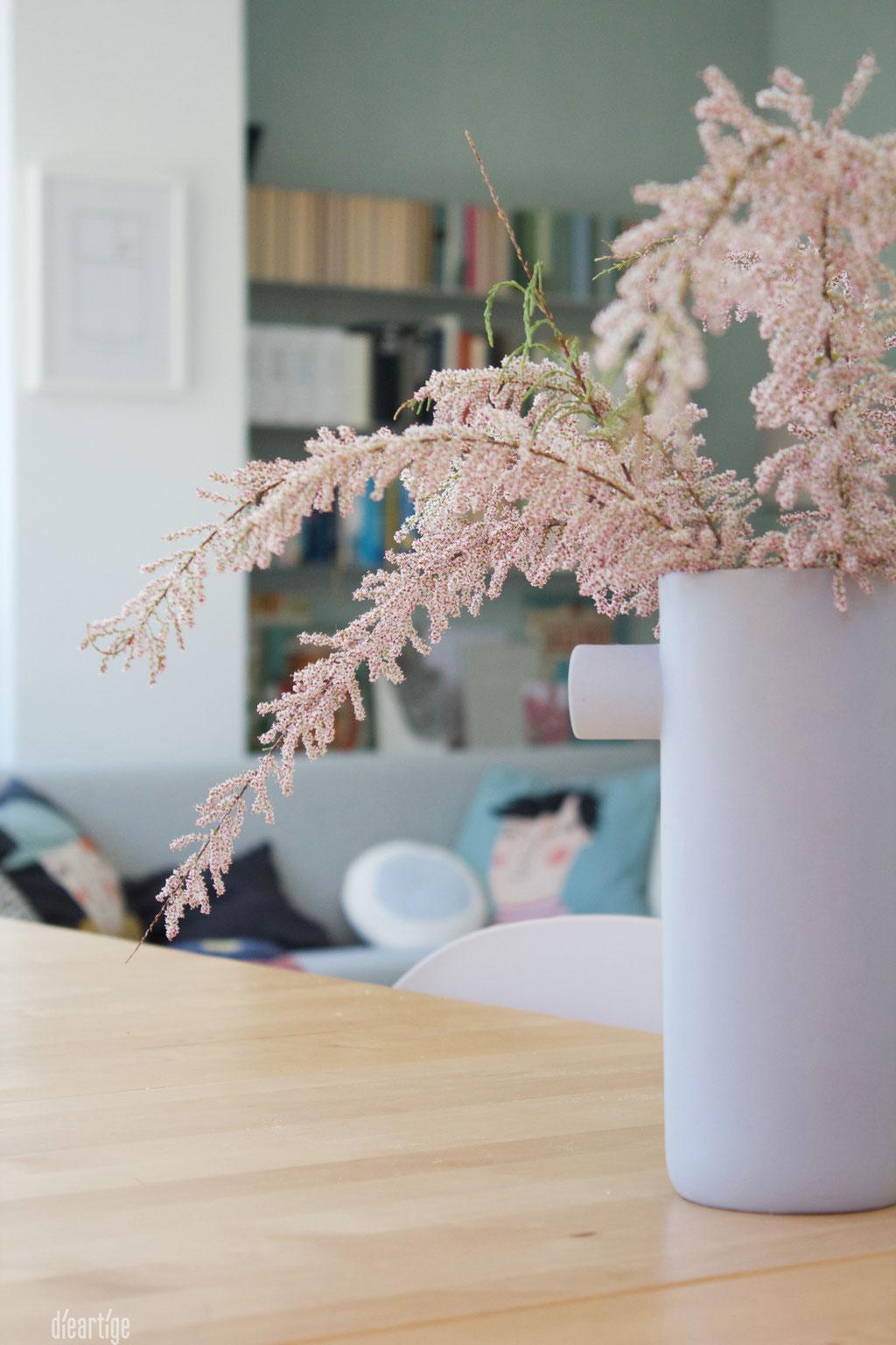 dieartigeBLOG - Special Guest: die Tamariske im Keramikkrug
