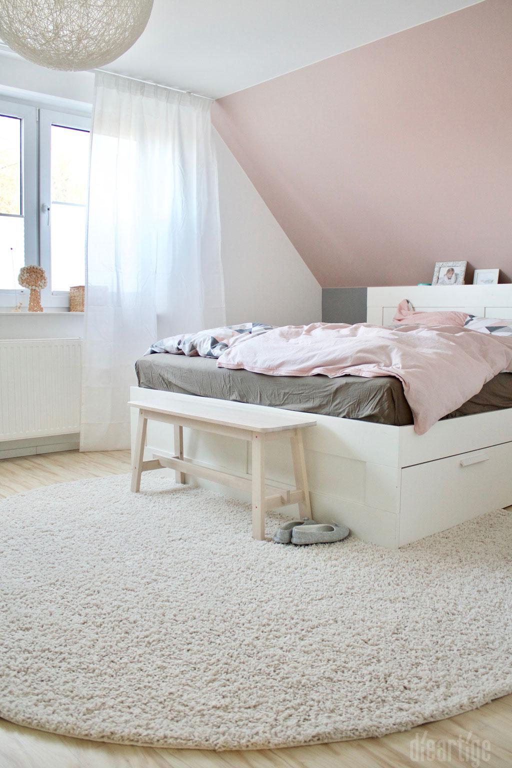 Fam. Z. | Schlafzimmer | Rosé, Grau, Weiß