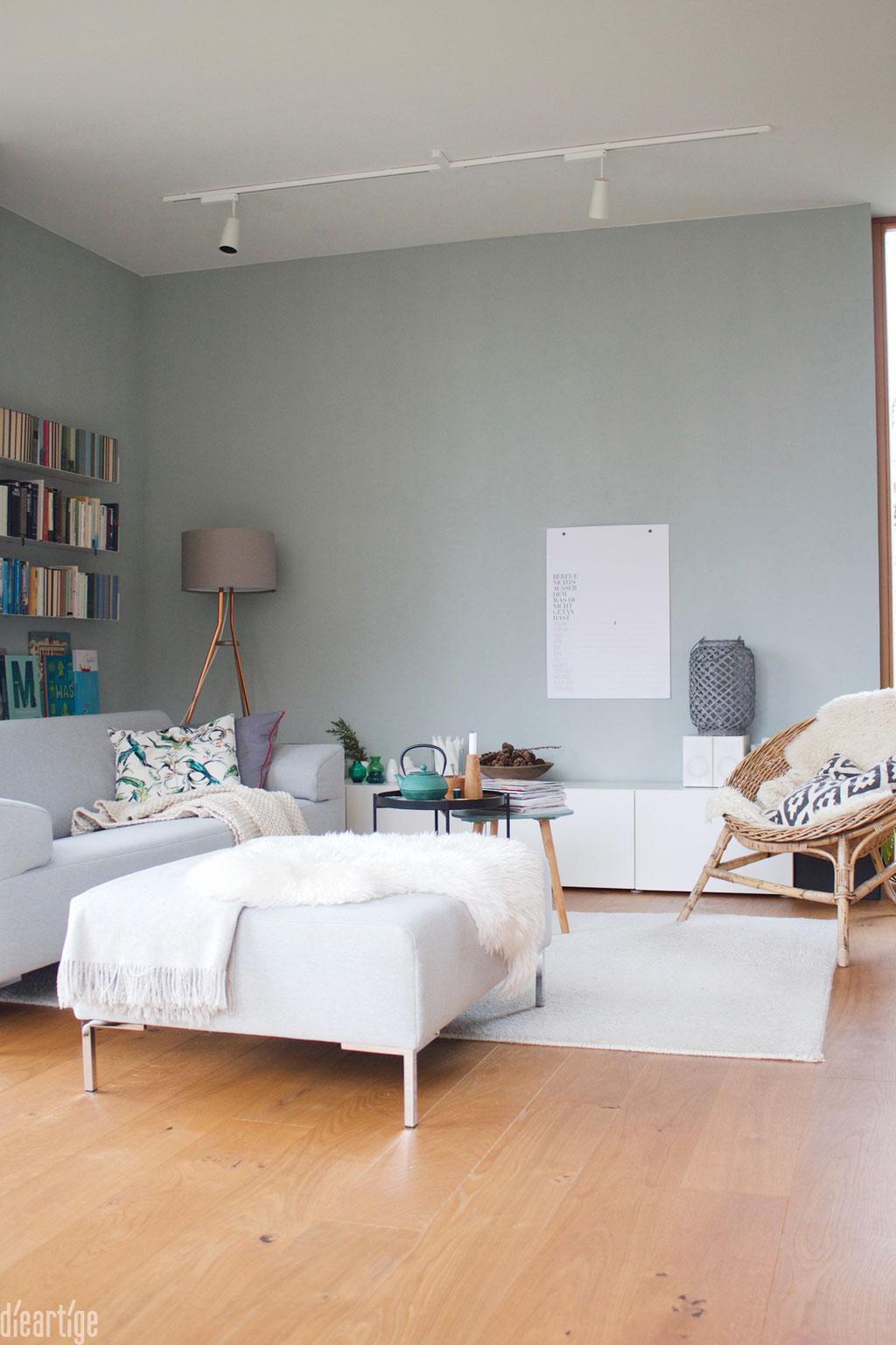 dieartige - Wohnzimmer in Salbei und Naturtönen