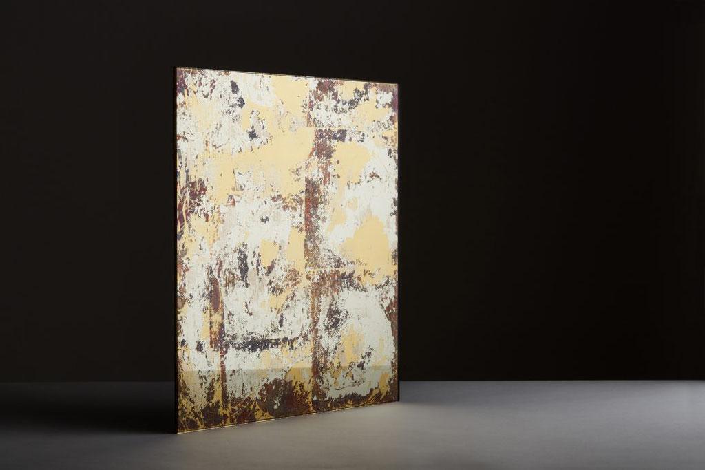 -Syrah- Weiß Gold 13,6ct./ Orange Gold 22,5ct./ Blattkupfer.