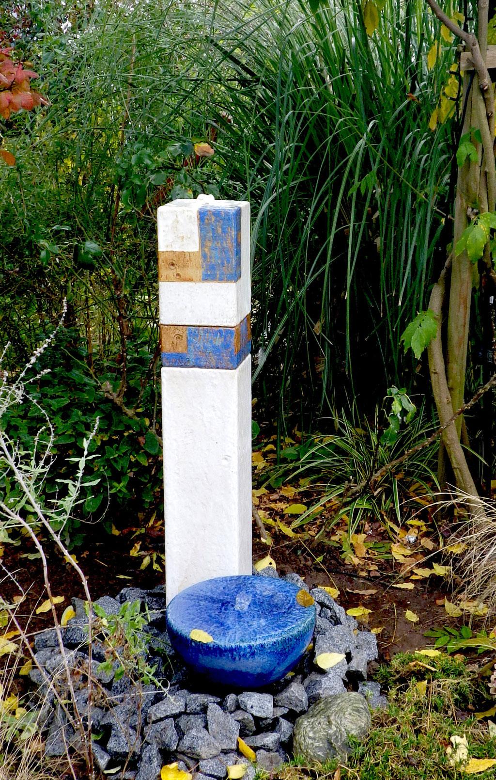Keramik Brunnen, Wassersäule Dekor Santorin,    ca. h 95 cm und Quellstein ø ca. 30 cm perlmutt blau