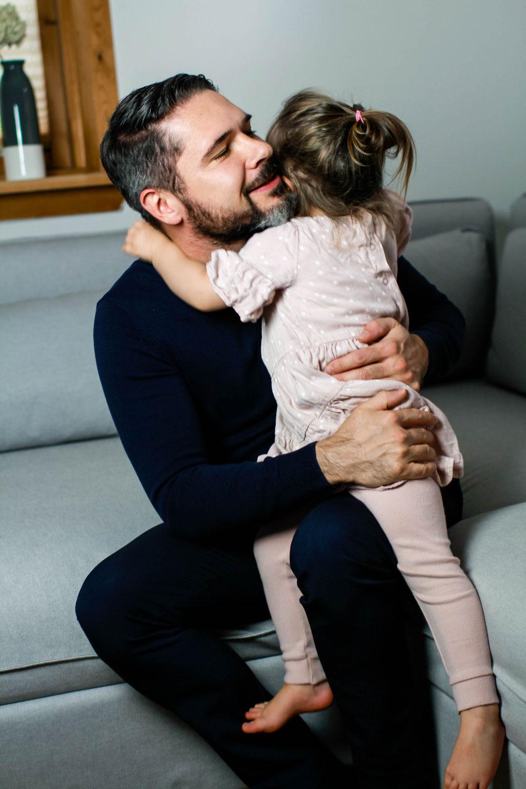 Familien| Hendrikje Richert Fotografie| Home Shooting, Kind, Tochter und Vater