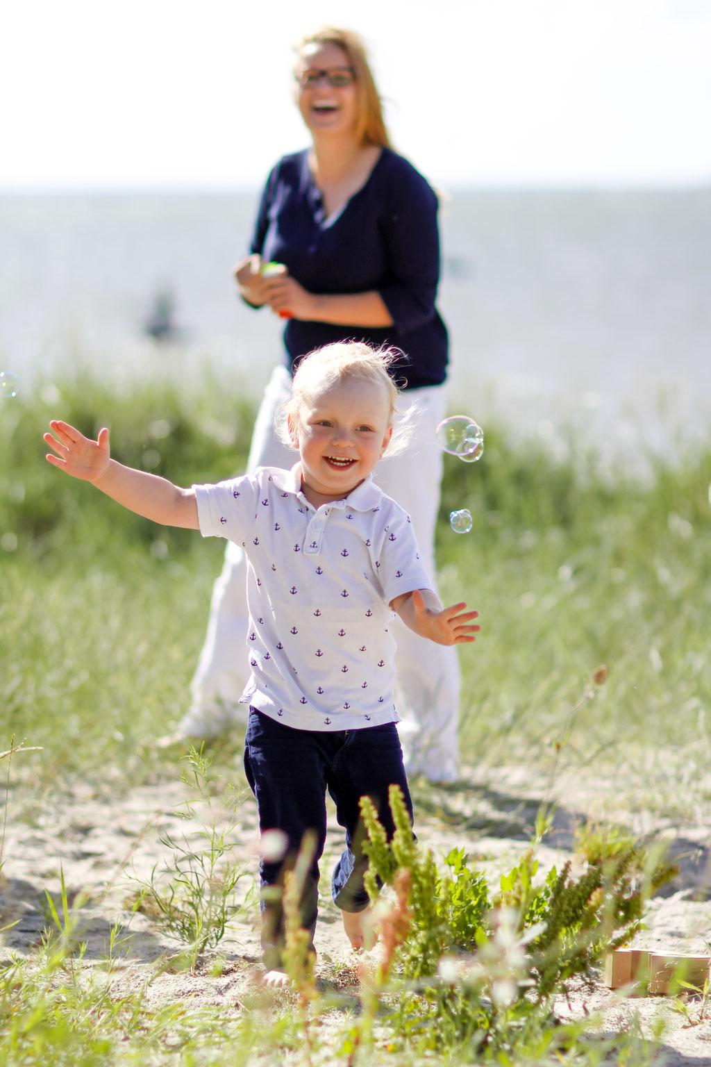 Familie  Mutter und Kind  Kinder  Greifwald  Hendrikje Richert Fotografie
