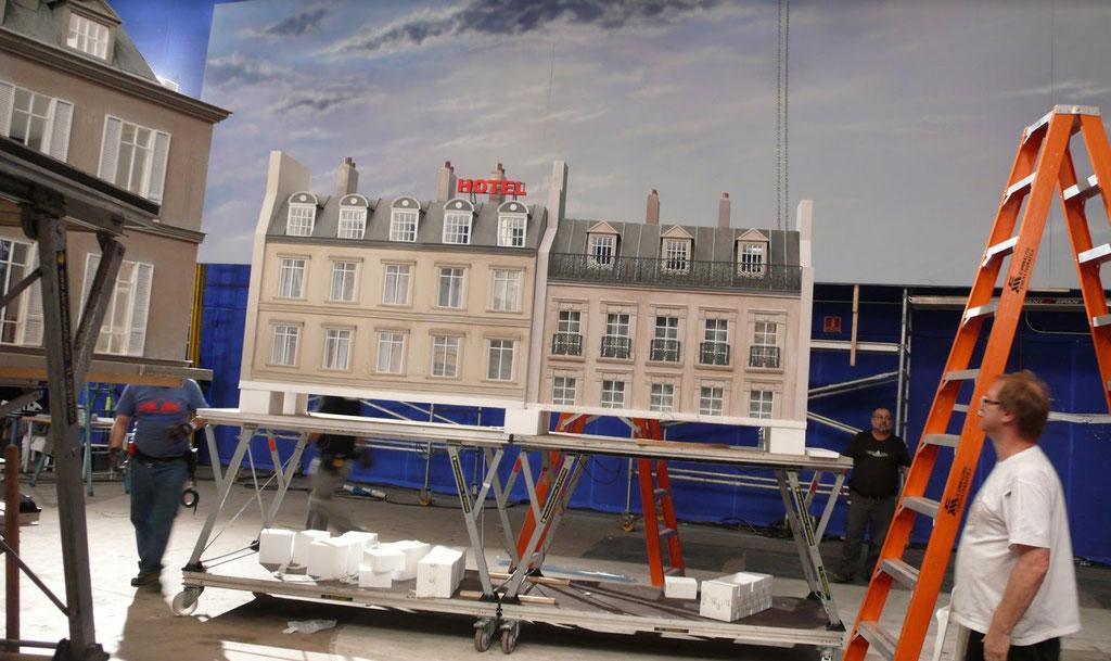 Maqueta de Skyline de Paris, para rodaje en plató de spot Nina Ricci