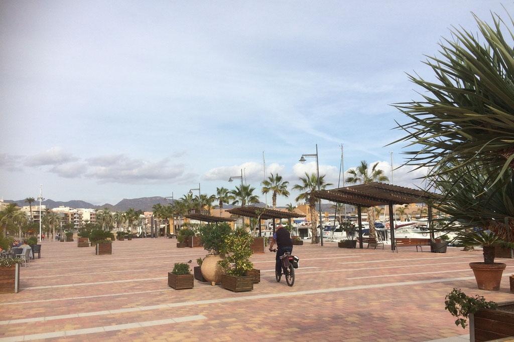 Promenade von Puerto de Mazarrón