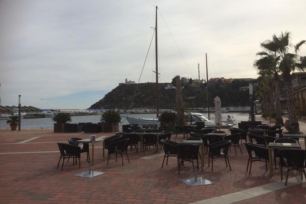 Bars und Restaurants am Hafen von Puerto de Mazarrón