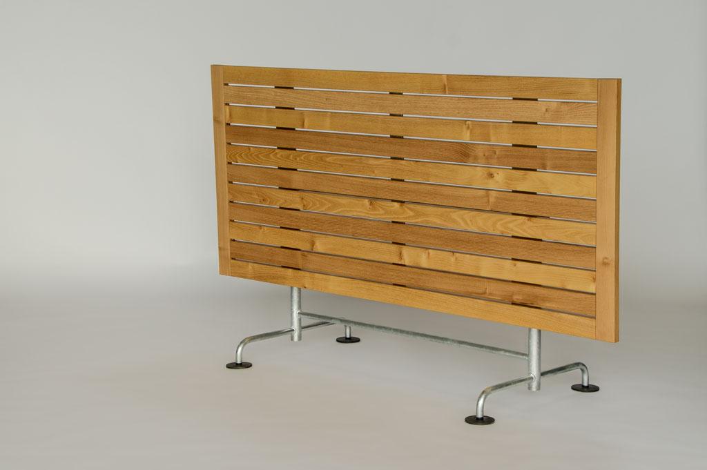 Tischplatte in Akazie/Untergestell Atelier Alinea für privat