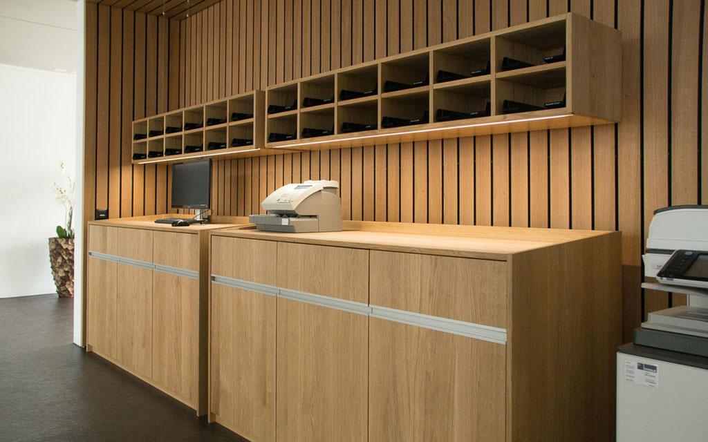 Büromöbel in Eiche für Türenfabrik Turbenthal