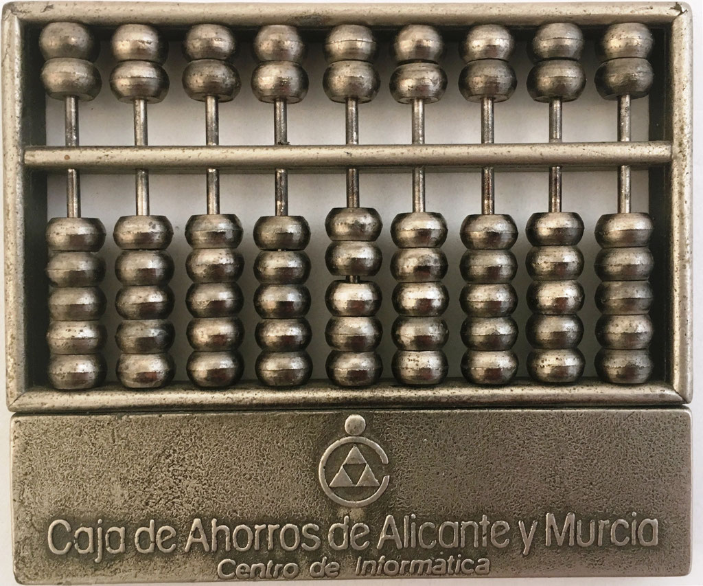 """Ábaco chino """"son pan"""", Centro de Informática de Caja Alicante y Murcia, año 1975, 9 columnas, 8x7 cm"""