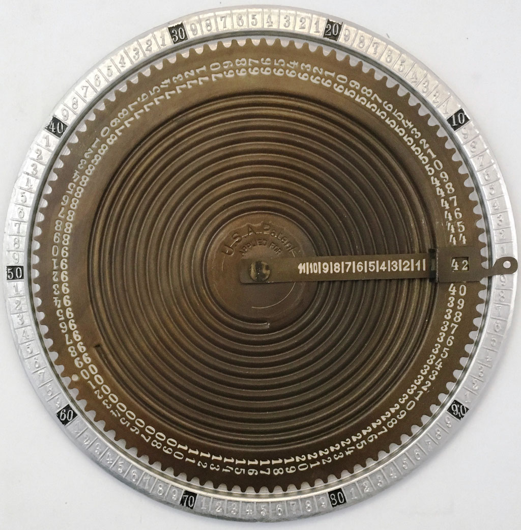 Sumadora THE ADAL (o ADALL en USA) CALCULATOR (similar a UNION del Dr. Albert Hauff de 1907), año 1910, 19.5 cm diámetro