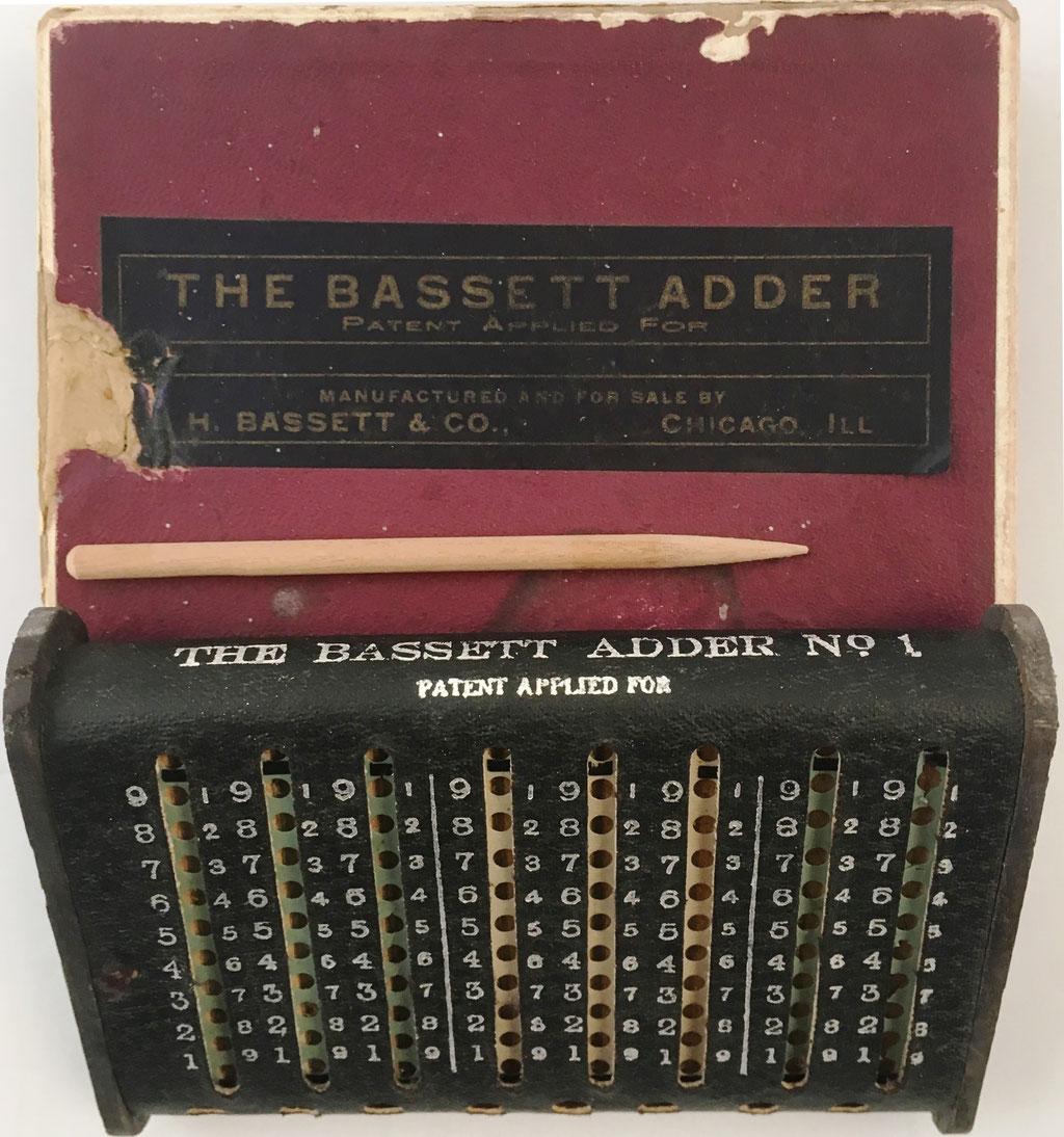 THE BASSETT Adder Nº 1, año 1909, 11x7.5x2 cm