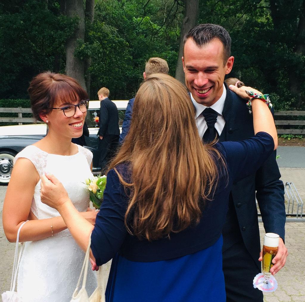 Hamburger Rederei, Hamburg Freie Trauung, Freie Rednerin Andrea Schumacher,  Hochzeitsdekoration, Hochzeit im Garten, Hochzeit am Strand,  Hochzeit an der Elbe