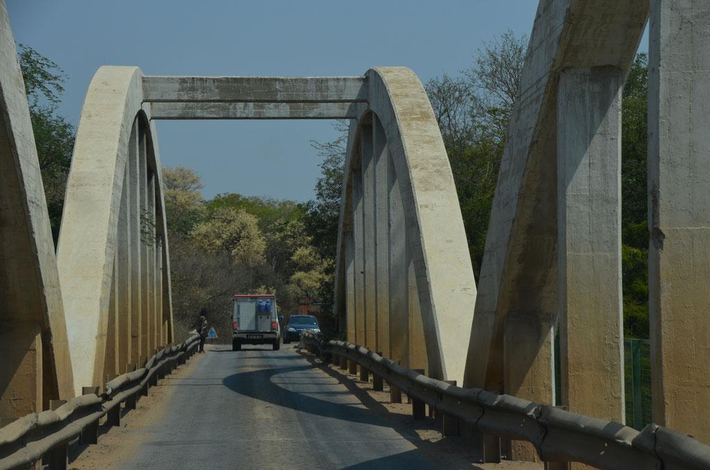 Brücke bei Martins Drift über den Limpopo