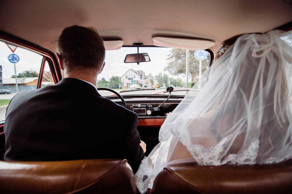 Hochzeitsfotograf Esslingen - Weg zur Trauung