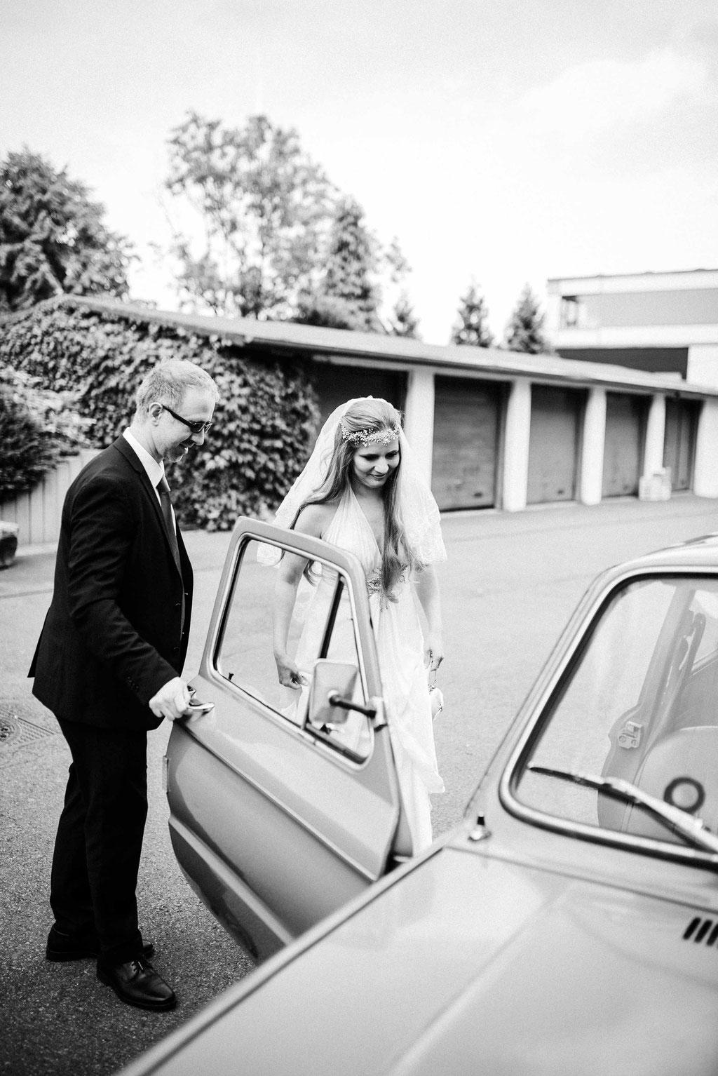 Hochzeitsbilder Stuttgart - Weg zur Trauung