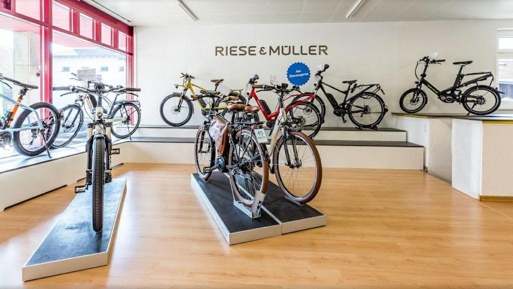 Speed-Pedelecs mit 45 km/h in der e-motion e-Bike Welt Hombrechtikon