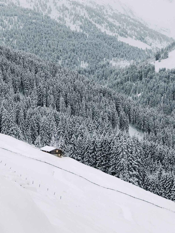 romantische Weihnachtsmärkte in den Bergen - Tirol,Südtirol, Bayern - Hütte in den Bergen