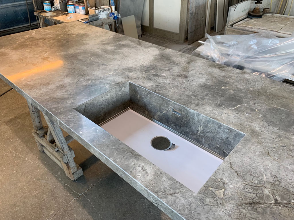 With a Fior di Bosco marble sink