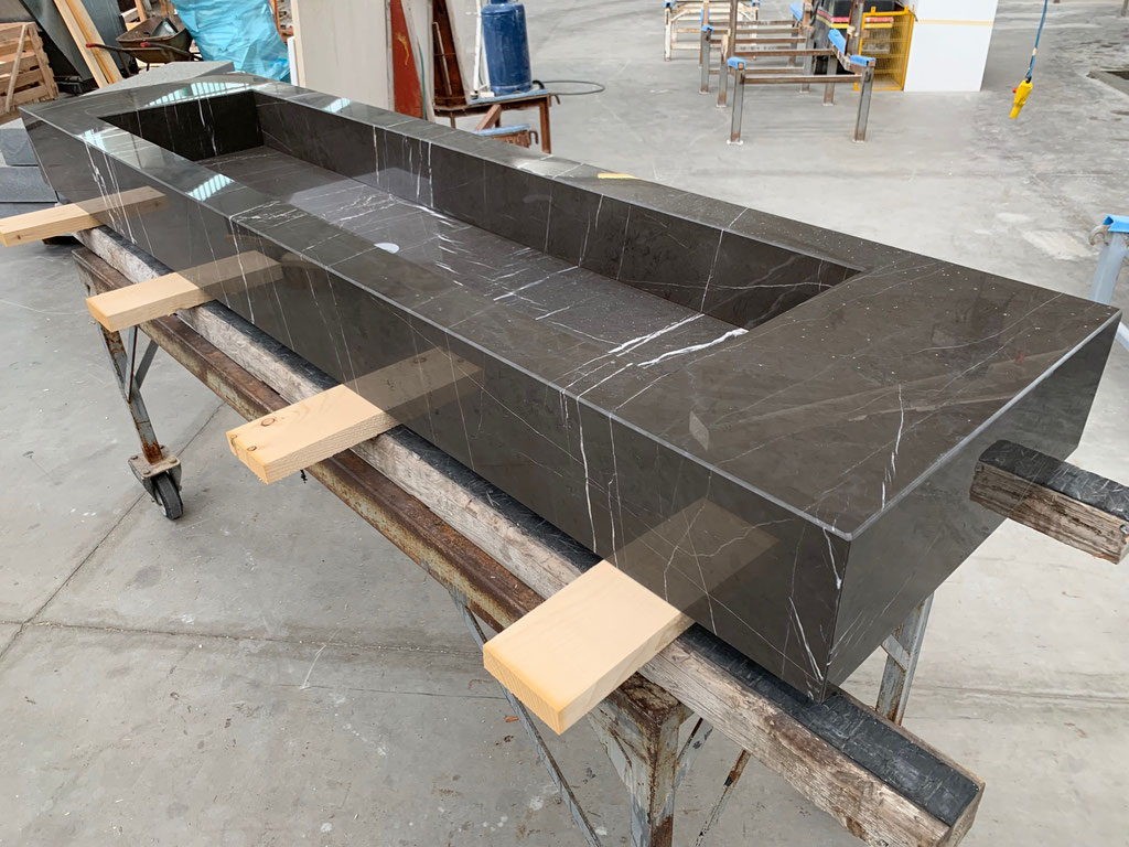 We made for this project 7 marble vanity tops