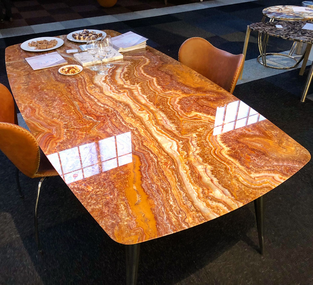 Onyx Fantastico luxury marble table