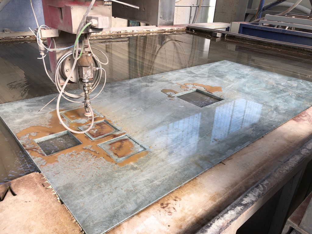 Precise marble cutting with a waterjet