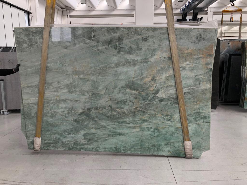 Emerald Green natuursteen in Italië geselecteerd.