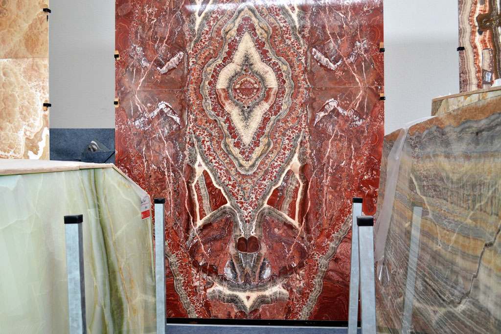 We trade freely with all leading slab suppliers (This is showroom Elite Stone)