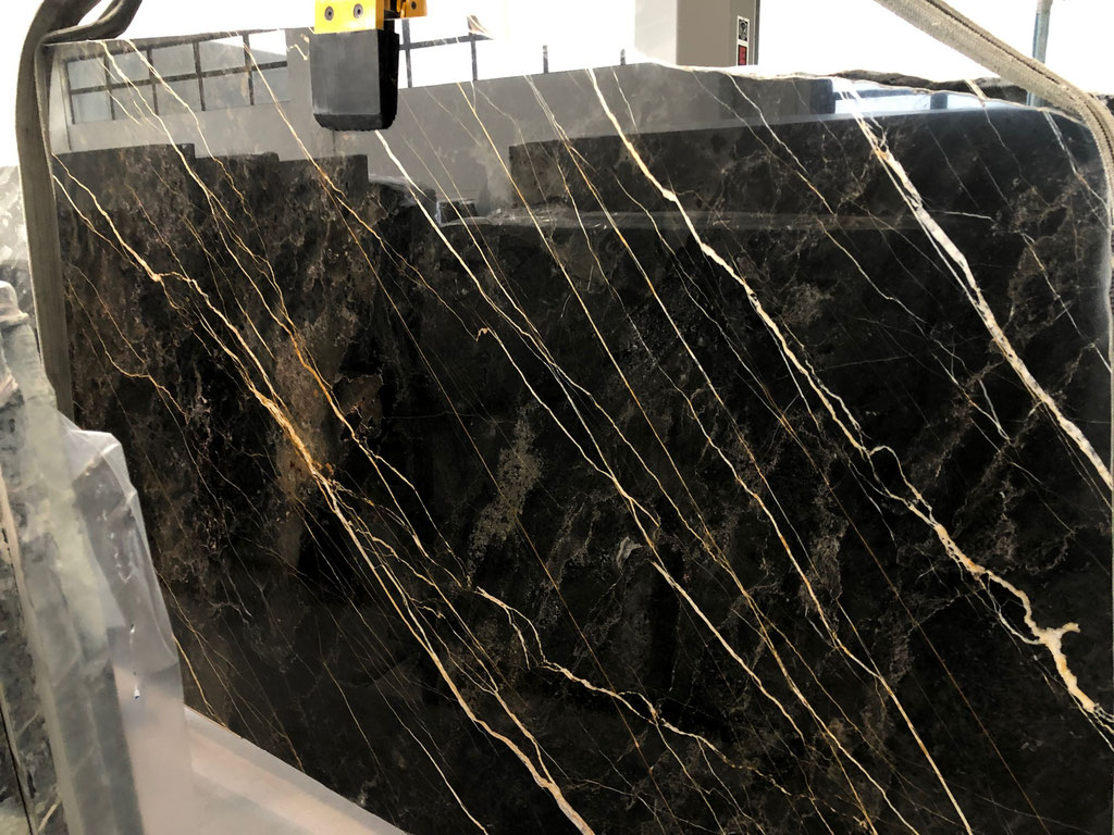 The slabs of Port Laurent marble