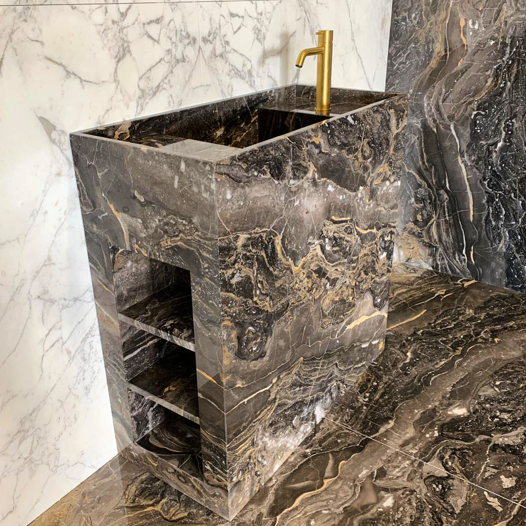 Grigio Orobico bathroom