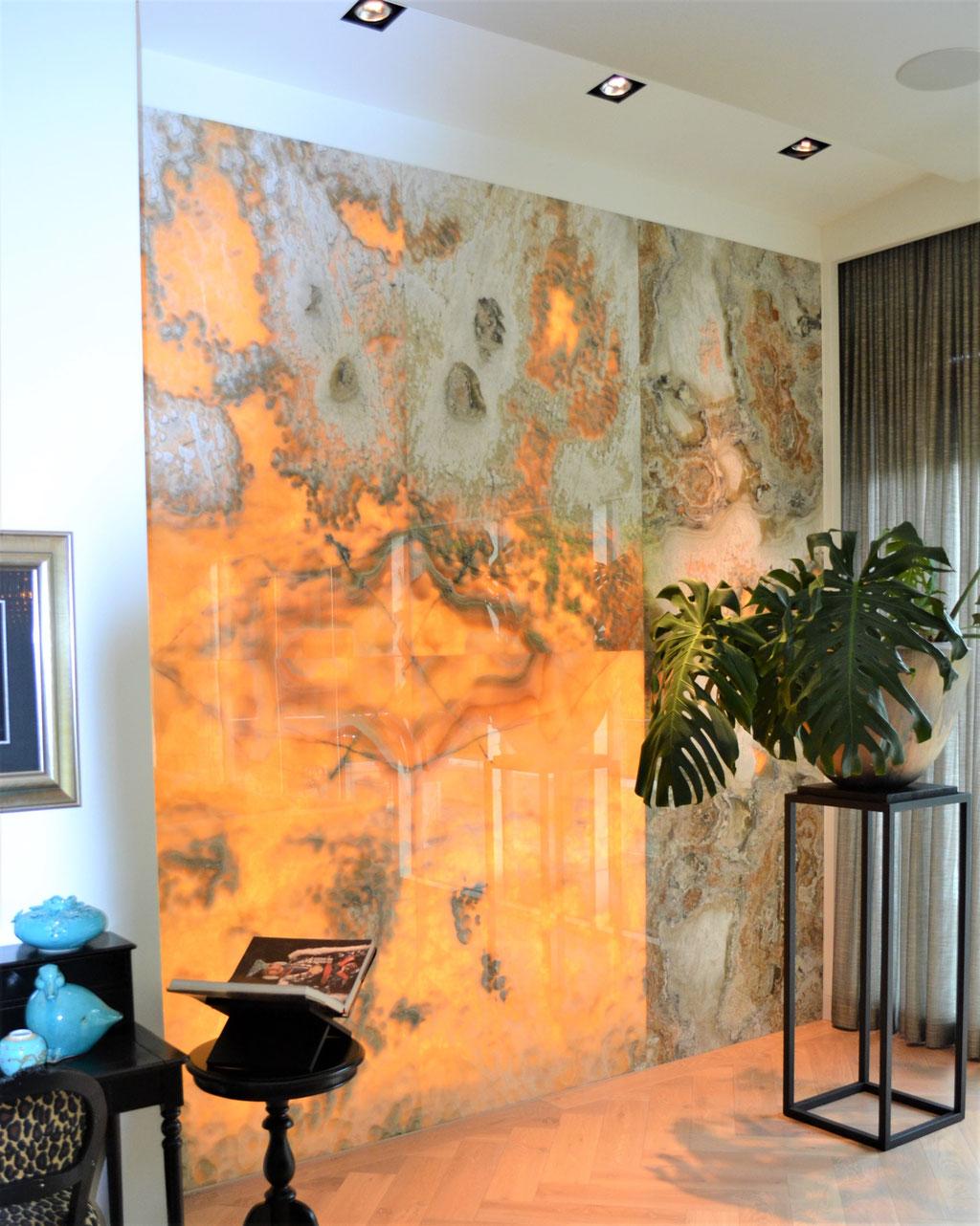 Onyx Arco Iris feature wall met verlichting