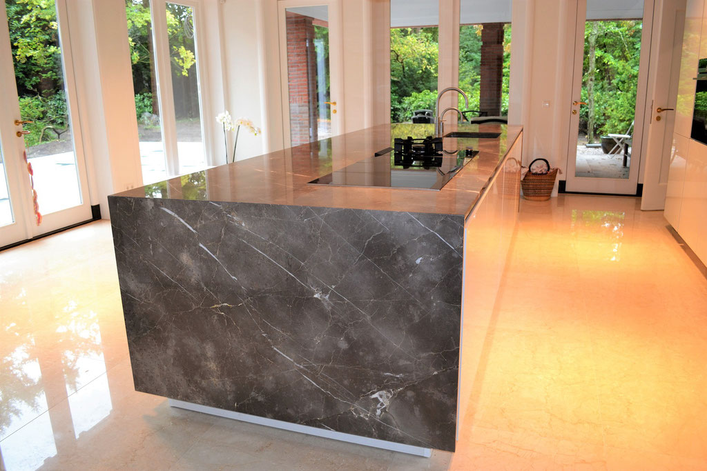 Fior di Bosco marble kitchen