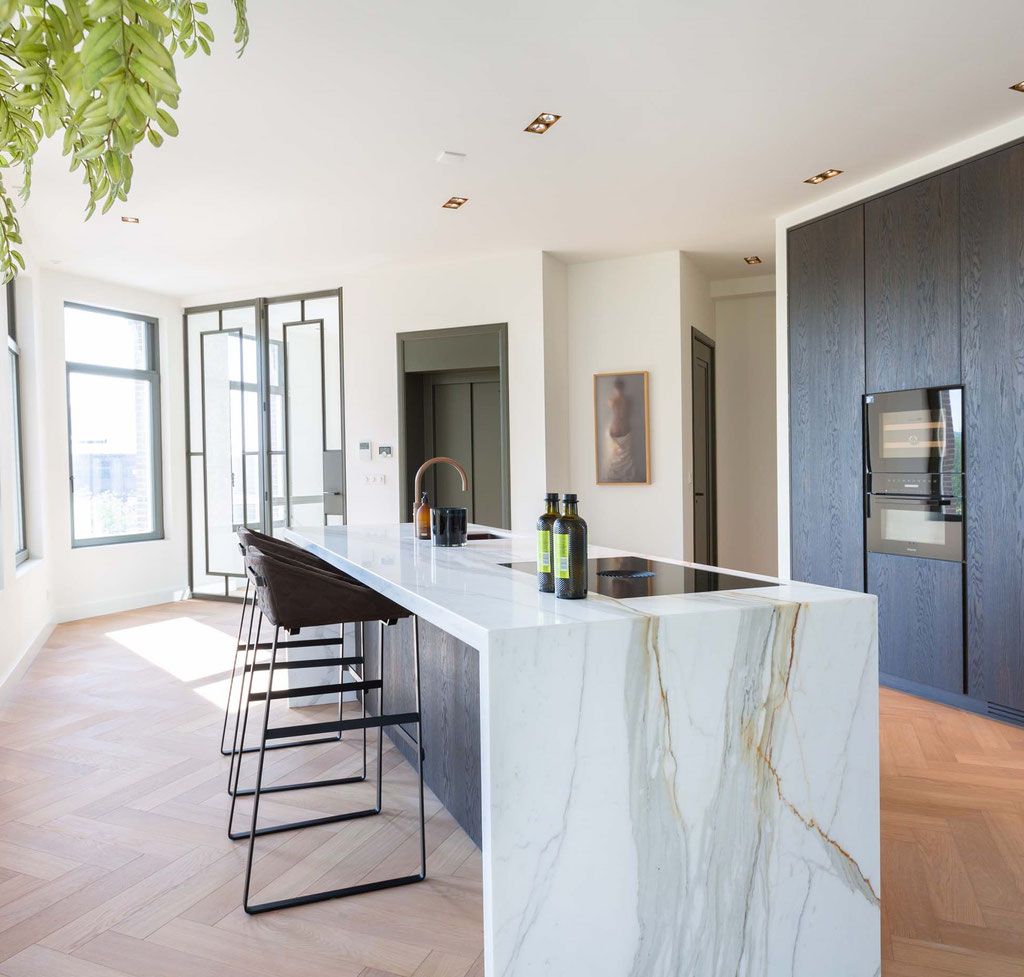 Top quality Italian marble: Calacatta Borghini