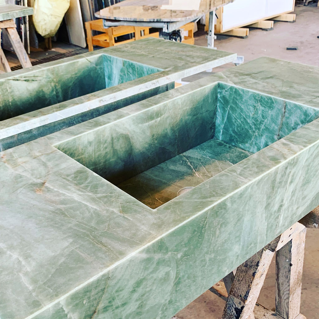 Final quality check of the granite basins