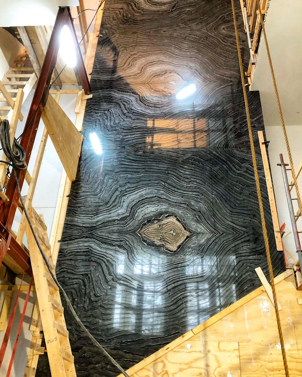 De gehele Silver Wave wand voordat de trap geplaatst is