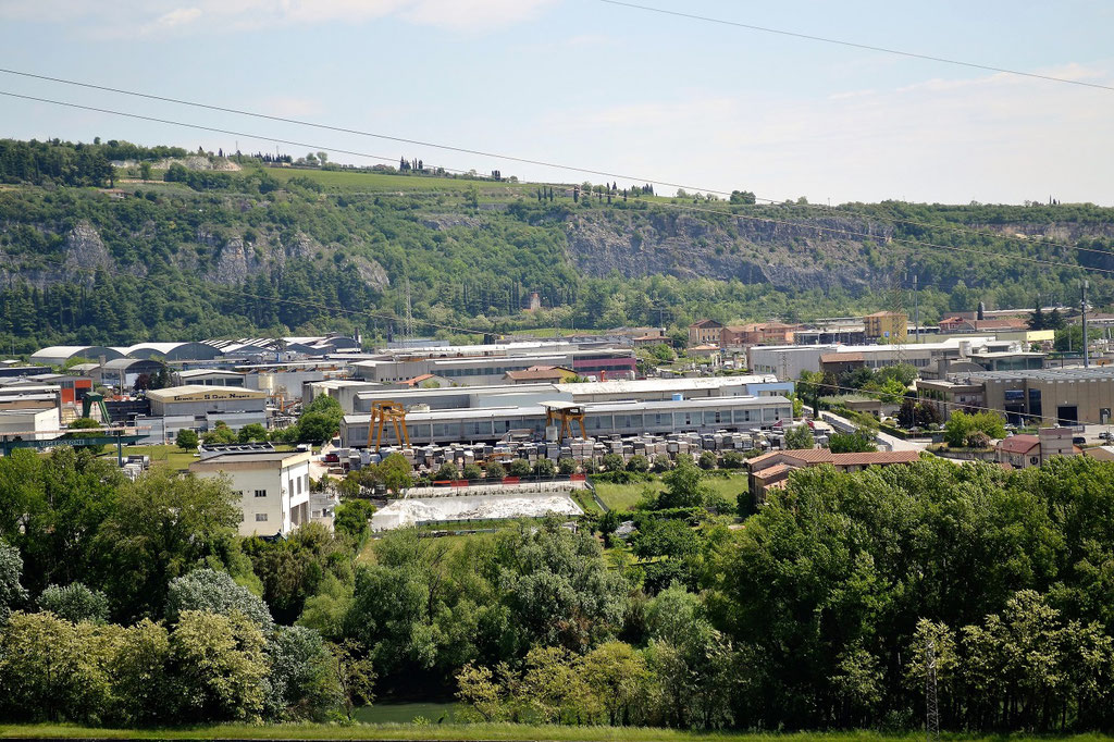 over 700 natural stone companies in the industrial of Verona.