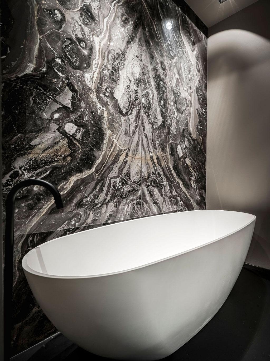 Grigio Orobic marble bathroom