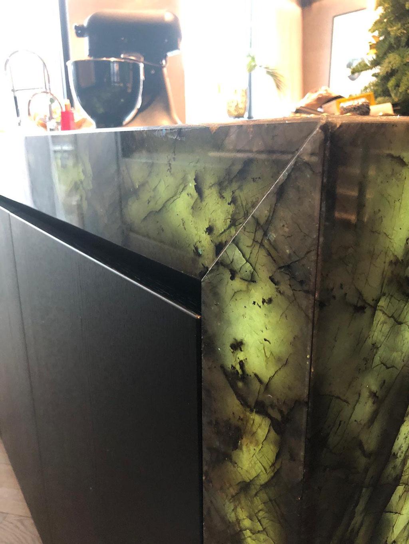 Graniet met de led-verlichting