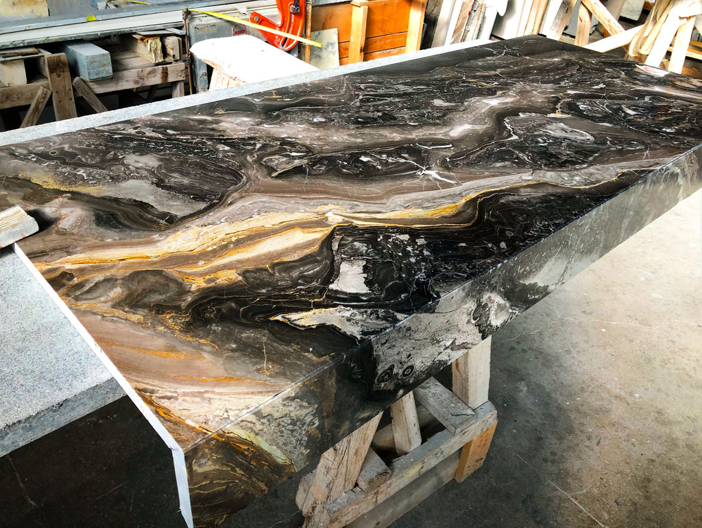 Grigio Orobico marble with a touch of gold