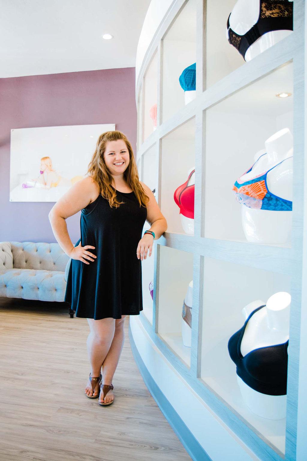 Kateland, Store Manager
