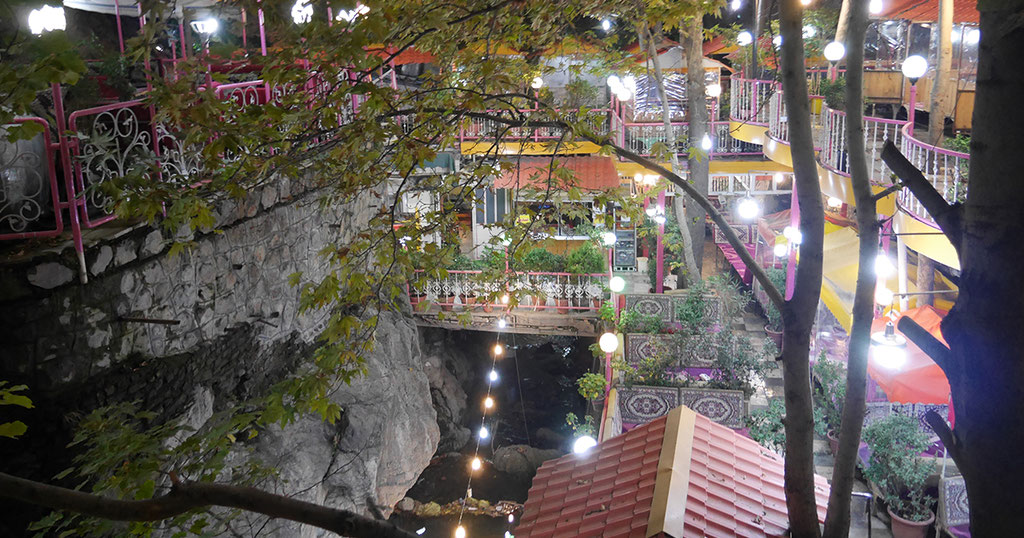 Cafés, Restaurants und Teehäusern in Darband.