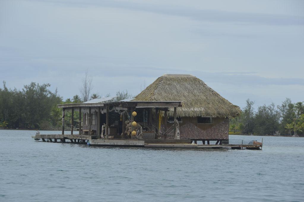 Einsam aber sicher, Pearlfarm in der Lagune