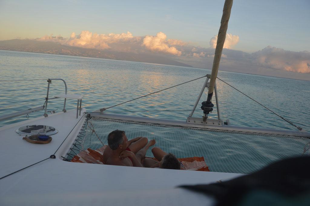 ... im Nordosten, gleich gegenüber der Hauptstadt Papeete