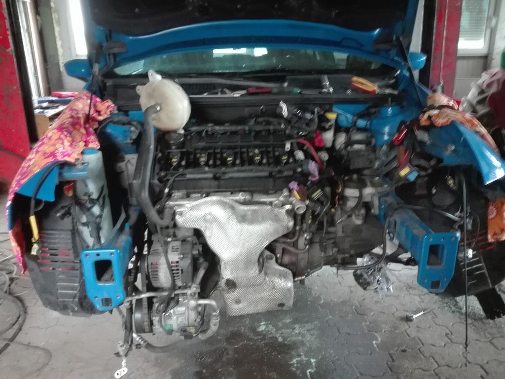 Alte Motor 126000km Defekt